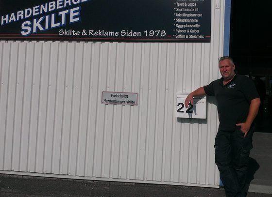 På virksomhedsbesøg hos Hardenberger Skilte i Ølstykke
