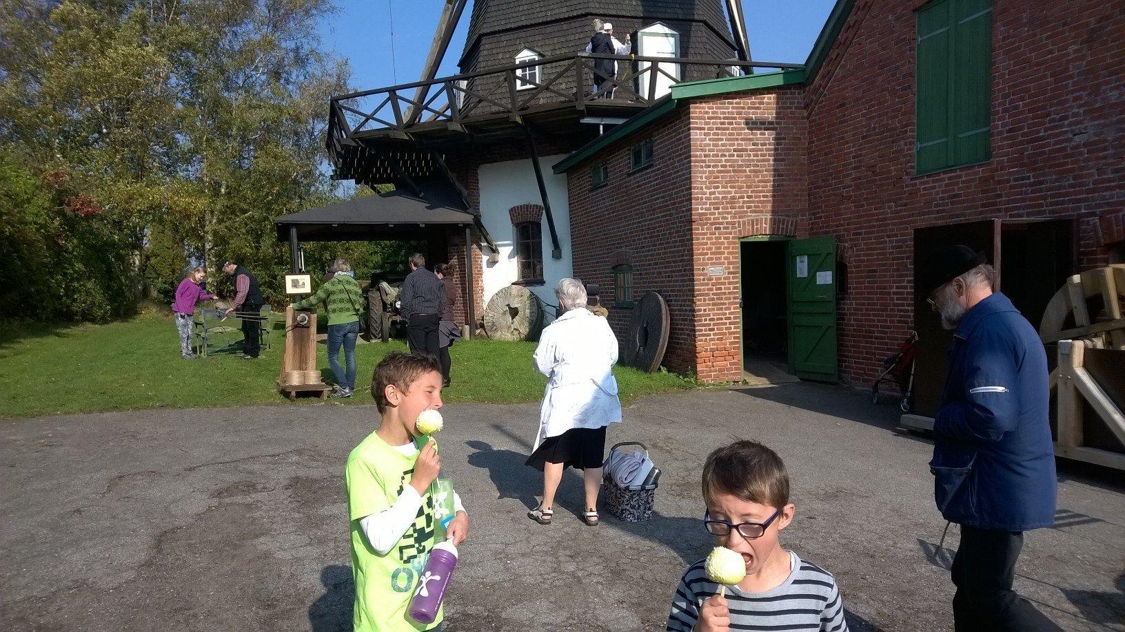 Stemningsbilleder fra besøg på Skenkelsø Mølle
