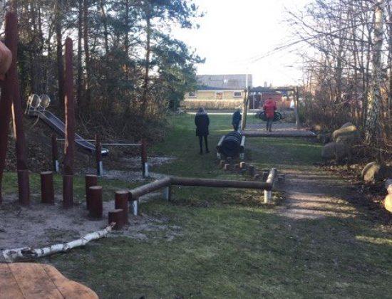 """Skøn legeplads ved """"Rævehøjen"""" – Erantisvej i Ølstykke"""