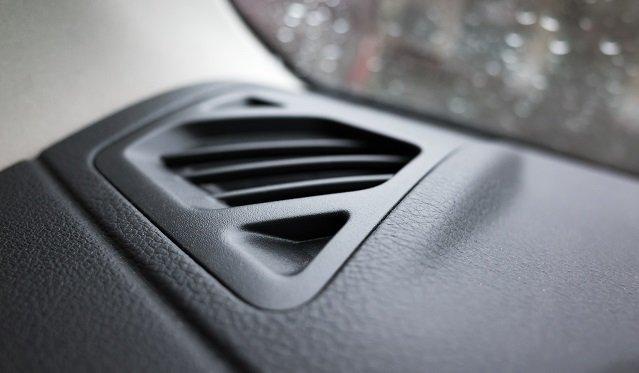 Tid til tjek? Hvordan lugter din aircondition i bilen?