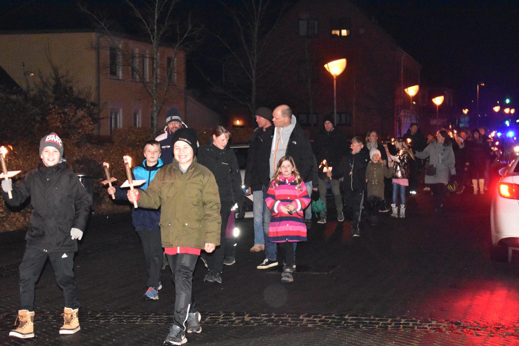 Juletræstænding i Ølstykke Stationsby - Vores Egedal