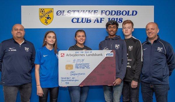 Lokal musikforening overrakte pengegave til ØFC Ungdom