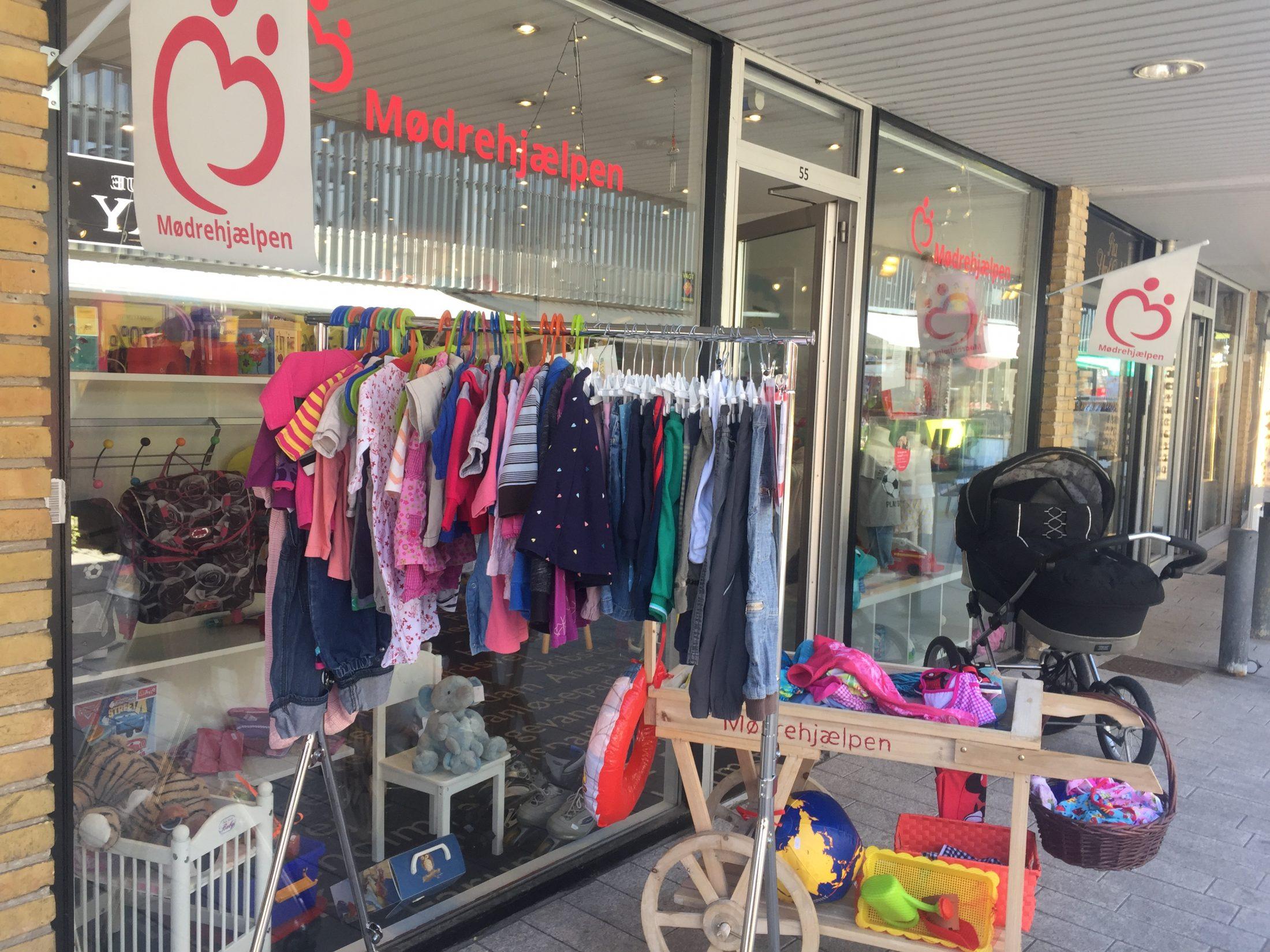 Vil du være Mødrehjælpens smilende ansigt i butikken i Egedal Centret