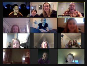 På Fritidsklubben Hampen mødes børn og pædagoger om snak og aktiviteter - digitalt