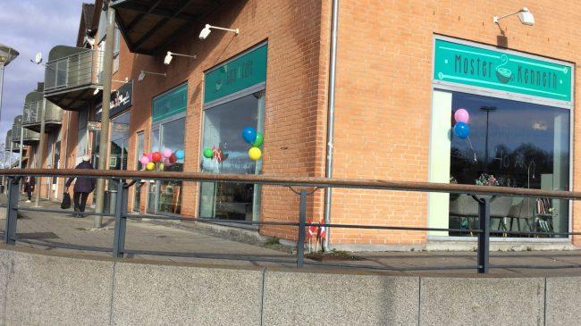 Stationsbyens Moster Kenneth flytter til Egedal Centret