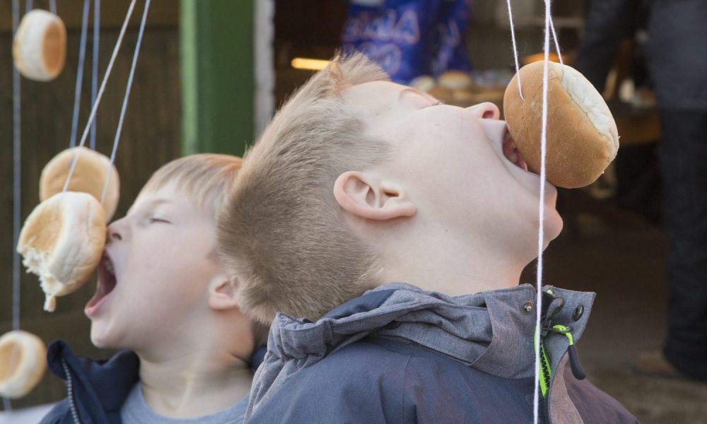Vinterferie på Skenkelsø Mølle – fastelavnsris og 'bide til bolle'