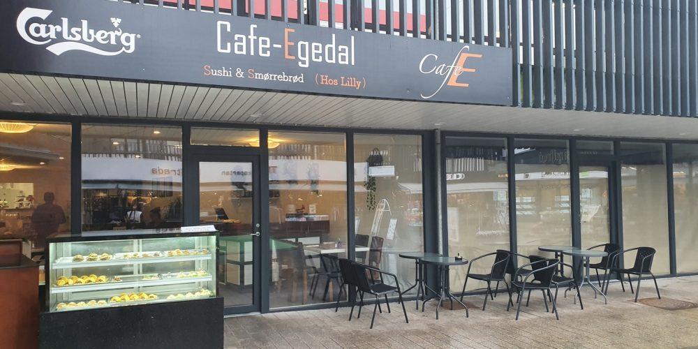 Mon der er noget vi kan friste med? Café Egedal bringer ud!