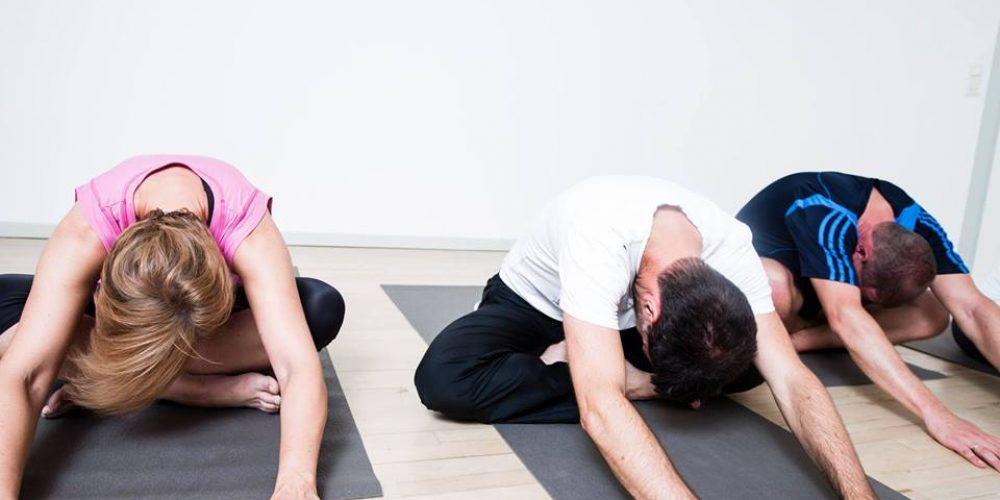 GetStrong Studios inviterer til Udendørs Sankt Hans Yoga for Alle